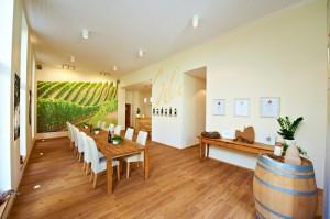 Vinothek innen - Weingut Scheffer