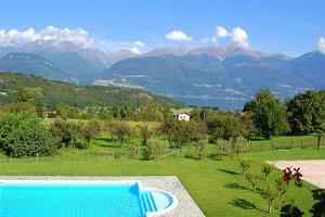 Ferienwohnung mit Pool und Tennisplatz